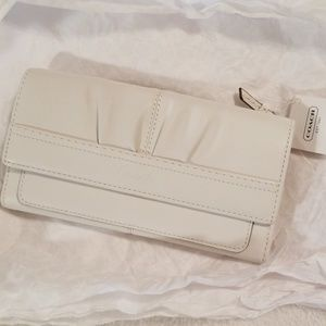 White leather Coach wallet NWT